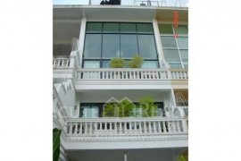 4 bedroom townhouse for sale or rent near BTS Bang Chak
