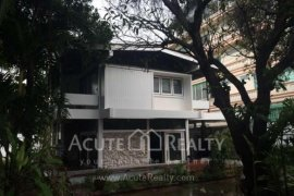 4 bedroom house for sale or rent near BTS Bang Chak