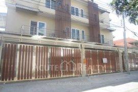 4 bedroom townhouse for rent in Phra Khanong, Bangkok