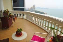 3 bedroom condo for sale in Wongamat, Pattaya
