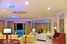 4 bedroom condo for sale in Wongamat, Pattaya