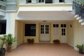3 bedroom townhouse for rent in Khlong Tan Nuea, Watthana