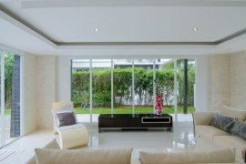 5 bedroom villa for sale in Phu Montra