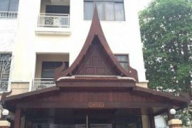 4 bedroom townhouse for rent in Chong Nonsi, Yan Nawa