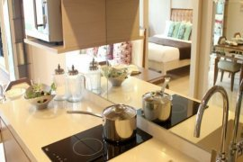2 bedroom condo for sale in Downtown 49 near BTS Thong Lo