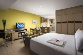 1 bedroom serviced apartment for rent in Somerset Lake Point near BTS Asoke
