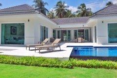 White Beach Villas