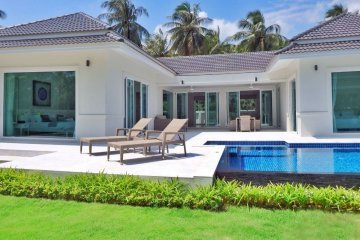 White Beach Villas