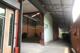 3 bedroom warehouse and factory for sale in Samae Dam, Bang Khun Thian