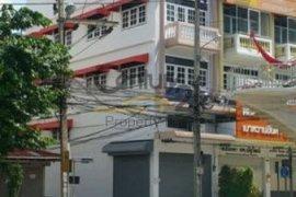 Office for rent in Khlong Ton Sai, Khlong San