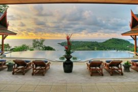 6 bedroom villa for rent in Phuket