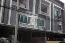 3 bedroom townhouse for sale in Suan Luang, Bangkok