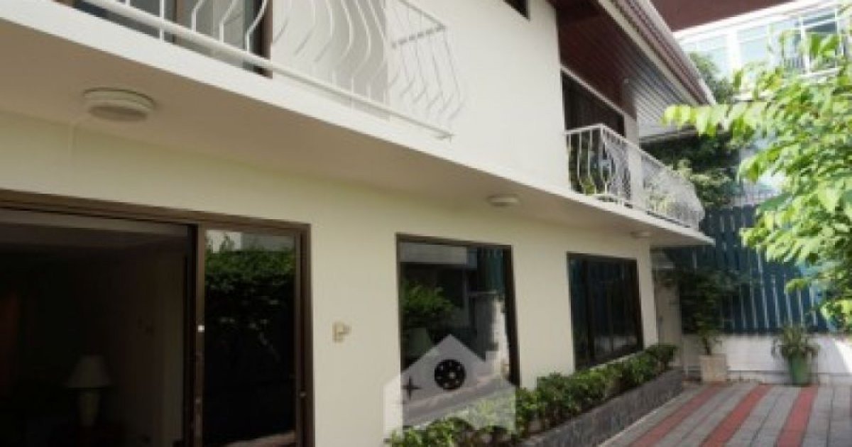 2 Bed Townhouse For Rent In Khlong Tan Khlong Toei