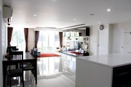 4 bedroom condo for sale in Waterford Sukhumvit 50