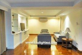 2 bedroom townhouse for rent near BTS Ekkamai
