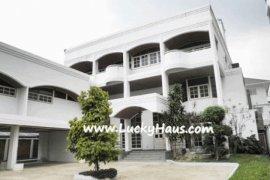 5 bedroom house for sale near BTS Ari