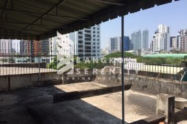 8 bedroom office for rent near BTS Phrom Phong