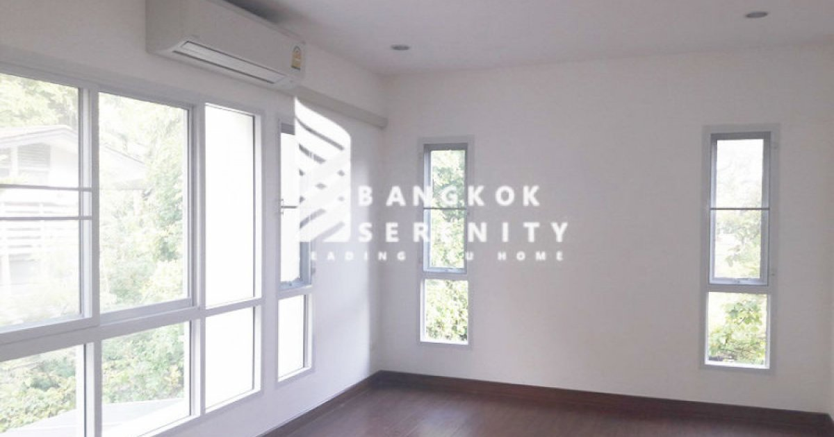 6 bed townhouse for rent in khlong tan khlong toei
