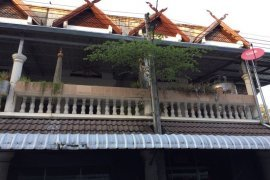 4 bedroom shophouse for rent in Si Phum, Mueang Chiang Mai