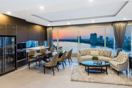 3 bedroom condo for sale in Menam Residences