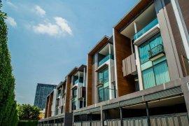 4 bedroom townhouse for rent in Residence Sukhumvit 65 near BTS Ekkamai