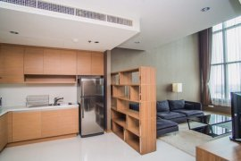 1 bedroom condo for rent in The Emporio Place near BTS Phrom Phong