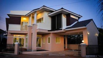 The Laguna Home