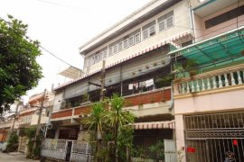 5 bedroom townhouse for sale near BTS Chong Nonsi