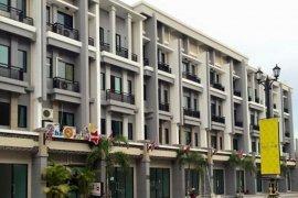 Shophouse for sale in Sam Wa Tawan Ok, Khlong Sam Wa