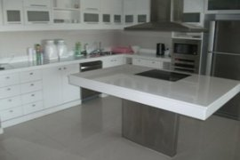 2 Bedroom Condo for rent in South Pattaya, Chonburi