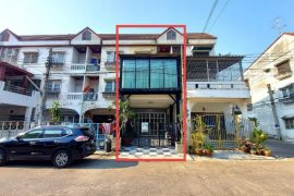 4 Bedroom Townhouse for sale in Rat Burana, Bangkok