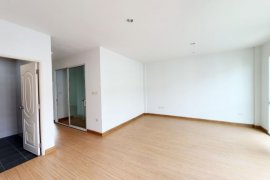 3 Bedroom Townhouse for sale in Si Kan, Bangkok