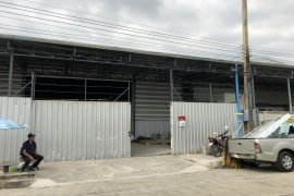 Commercial for rent in Khu Khot, Pathum Thani