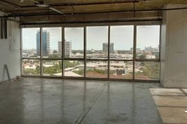 Commercial for rent in Richmond Office Building, Khlong Tan, Bangkok near BTS Phrom Phong