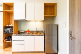 1 Bedroom Condo for rent in Choeng Thale, Phuket