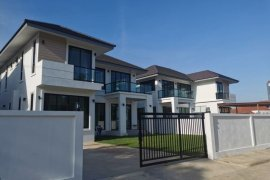 4 Bedroom House for sale in Ban Waen, Chiang Mai