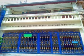 3 Bedroom Townhouse for rent in Watthana, Bangkok near BTS On Nut