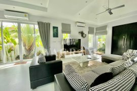 3 Bedroom House for sale in Woodlands Residences, Thap Tai, Prachuap Khiri Khan
