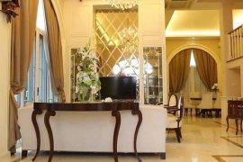 4 Bedroom House for sale in Khlong Toei, Bangkok
