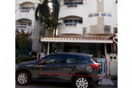 Townhouse for sale in Khlong Chan, Bangkok