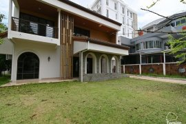 3 Bedroom House for rent in Lumpini, Bangkok near BTS Nana
