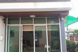 2 bedroom shophouse for rent in Ban Lueam, Mueang Udon Thani