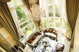 7 bedroom house for sale in Lat Phrao, Bangkok