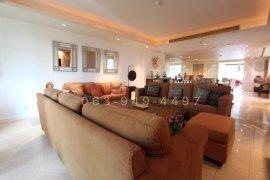 4 Bedroom House for rent in Phra Khanong, Bangkok