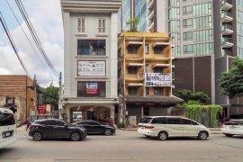 Commercial for rent in Phra Khanong Nuea, Bangkok