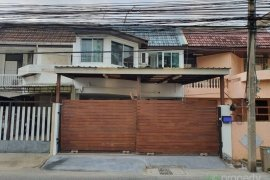3 Bedroom House for sale in Phra Khanong, Bangkok near BTS Phra Khanong