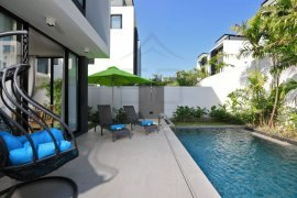 3 Bedroom Townhouse for rent in Choeng Thale, Phuket