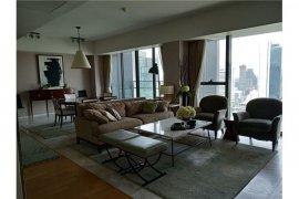 3 Bedroom Condo for sale in Sathon, Bangkok