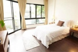 6 Bedroom Townhouse for rent in Phra Khanong, Bangkok near BTS Thong Lo