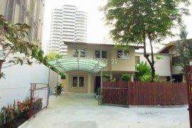 3 Bedroom House for rent in Khlong Tan, Bangkok